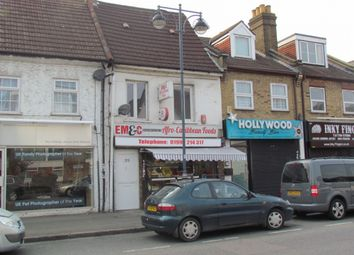 Thumbnail 2 bedroom flat to rent in Crossbrook Street, Cheshunt