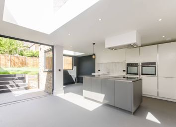 Thumbnail 6 bed property to rent in Selsdon Road, West Norwood