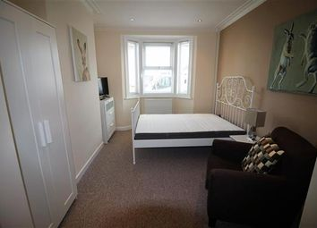Thumbnail 1 bed flat to rent in Dean Street, Swindon