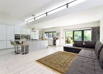 Thumbnail 6 bed property to rent in St Marys Avenue, Finchley
