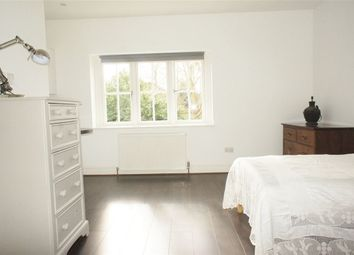 Thumbnail Studio to rent in Temple Gardens, Staines, Milldesex