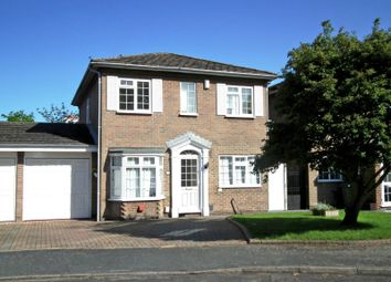 Thumbnail 4 bed detached house to rent in Rembrandt Way, Walton On Thames, Surrey