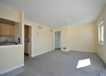 Thumbnail 2 bedroom flat to rent in Kempton Walk, Croydon
