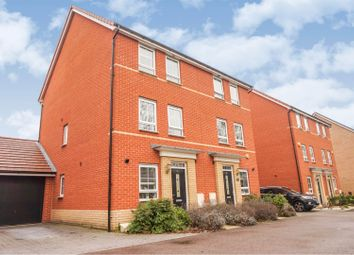 Broadhurst Place, Basildon SS14. 3 bed semi-detached house for sale