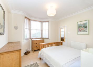 2 bed maisonette to rent in Whellock Road, Turnham Green, London W4