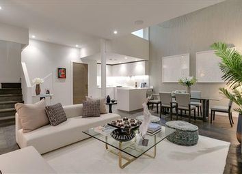 Thumbnail 2 bed mews house for sale in W6, Holborn, London