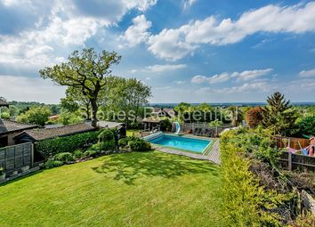 Thumbnail 4 bed property for sale in Chiltern Avenue, Bushey