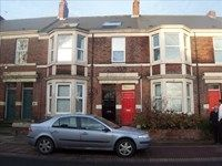 Thumbnail 6 bedroom maisonette to rent in Dinsdale Road, Newcastle Upon Tyne