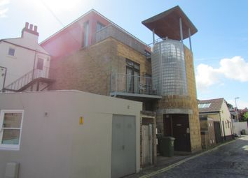 Thumbnail 1 bed flat to rent in Wilton Place, Southsea
