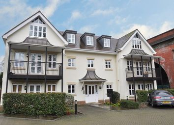 Thumbnail 2 bedroom flat to rent in River Road, Taplow, Maidenhead