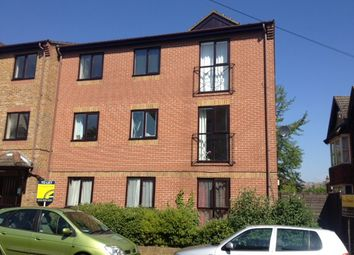Thumbnail 2 bed flat to rent in Court Road, Shirley, Southampton