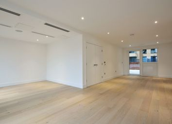 Thumbnail 4 bed triplex to rent in Fulham Riverside, Townmead Road, Fulham