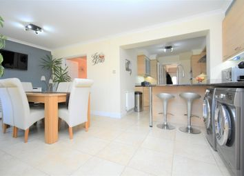 Thumbnail 4 bed detached house for sale in Spurcroft Road, Thatcham
