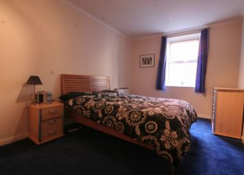 Thumbnail 1 bed flat to rent in Ferry Street, London