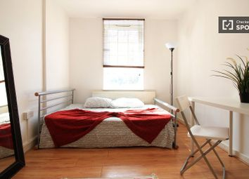 Room to rent in Maygood Street, London N1