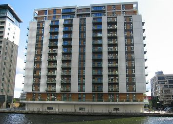 Thumbnail 2 bed flat to rent in Discovery Dock West, South Quays, Canary Wharf, London