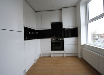 Thumbnail 2 bed flat to rent in Nunhead Rd, Southwark