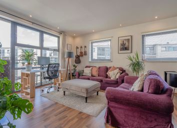 Copenhagen Place, London E14. 1 bed flat