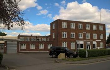 Thumbnail Office to let in Stokes House, Cleeve Road, Leatherhead, Surrey
