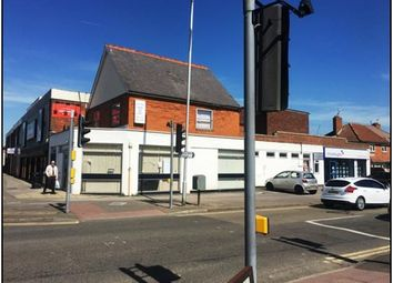 Thumbnail Retail premises to let in Basingstoke Road, Reading