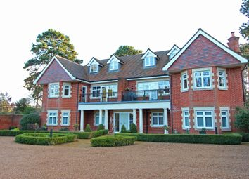 Thumbnail 2 bedroom flat for sale in Copthill Lane, Kingswood, Tadworth