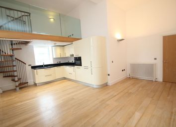 Butts Green Road, Hornchurch RM11. 2 bed flat