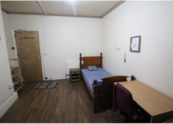 Thumbnail Room to rent in Bradford Road, Hillhouse, Huddersfield