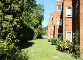 2 bed flat to rent in Alwyne Court, Horsell, Woking GU21
