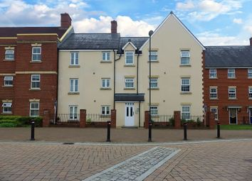 Thumbnail 2 bedroom flat to rent in Thursday Street, Swindon, Wiltshire