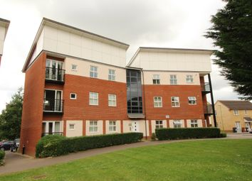 Thumbnail 2 bed flat to rent in Eddington Crescent, Welwyn Garden City, Hertfordshire