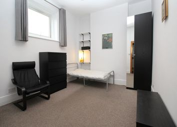 Thumbnail Room to rent in Broad Street, Teddington