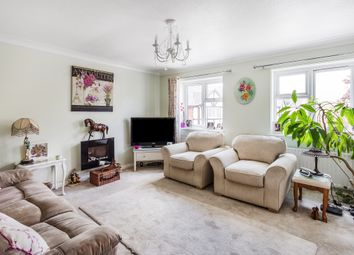 Thumbnail 2 bed flat for sale in Lincolns Mead, Lingfield