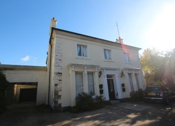 Thumbnail 1 bedroom flat to rent in Crescent Road, Worthing