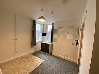 Thumbnail Room to rent in Court Road, Wolverhampton