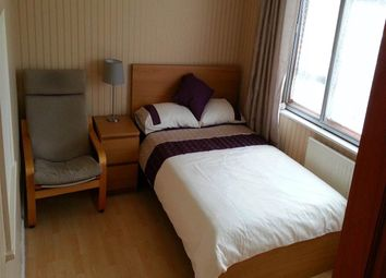 Thumbnail Room to rent in Carisbrooke Road, Hucclecote, Gloucester