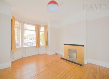 Thumbnail 2 Bedroom Maisonette To Rent In Kitchener Road East Finchley London