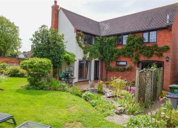 Thumbnail 5 bedroom detached house for sale in Rudchesters, Bancroft