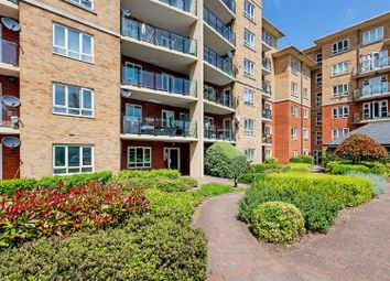 Thumbnail 3 bed flat to rent in Glebelands Close, Finchley, London