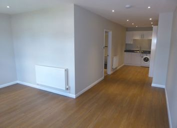 Thumbnail 1 bed flat to rent in Nutfield Road, Merstham, Redhill