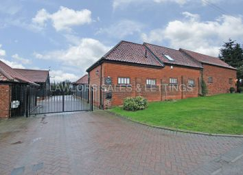 Thumbnail 3 bed barn conversion to rent in New Farm Drive, Abridge, Romford