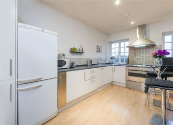Thumbnail 3 bed flat to rent in Temple Fortune House, Finchley Road, London