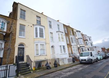 2 bed flat to rent in Grosvenor Place, Margate CT9