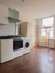 Thumbnail Studio to rent in Pellatt Grove, Wood Green