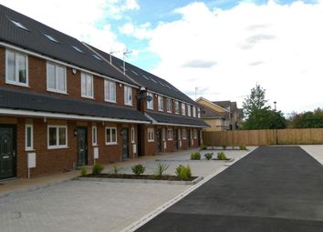4 bed terraced house to rent in Reet Gardens, Slough SL1