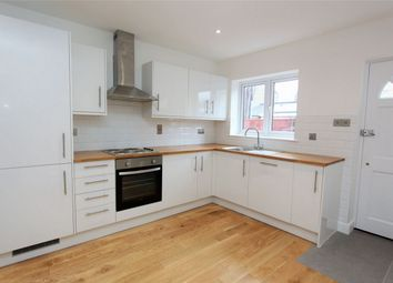 Thumbnail 1 bed flat to rent in Hoppers Road, Winchmore Hill