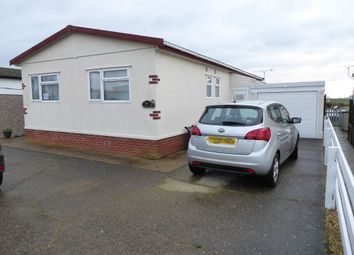 Thumbnail 3 bed mobile/park home for sale in Lakeside View, Short Ferry Park (Ref 6107), Fiskerton, Lincolnshire