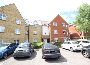 Bramble Tye, Noak Bridge, Laindon, Essex SS15. 2 bed flat