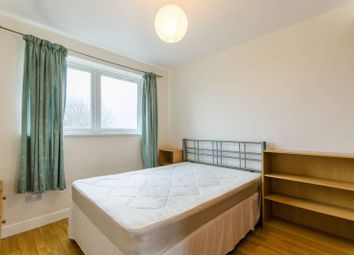 Thumbnail 2 bed flat for sale in High Road, East Finchley