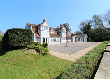 Thumbnail 5 bed detached house to rent in Bell Hill, Petersfield
