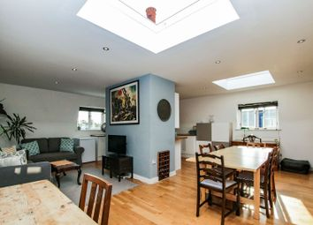 Thumbnail 2 bed flat for sale in Mowll Street, Oval / Brixton